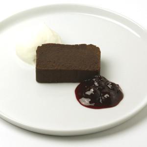 全新的咖啡館主角,原料取自羊羹命脈的紅豆沙及巧克力研發而成